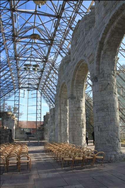 ruiny katedry w  Hedmark
